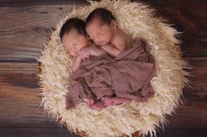 Grossesse : comment préparer l\'arrivée de jumeaux ? -